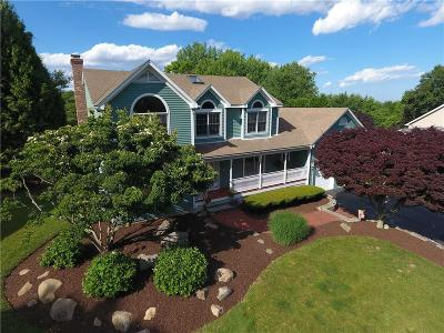 North Kingstown Single Family Home For Sale: 167 Lang Dr