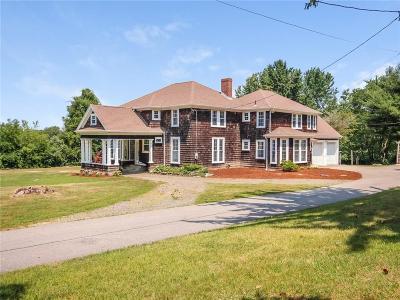 North Kingstown Single Family Home For Sale: 1315 Gilbert Stuart Rd