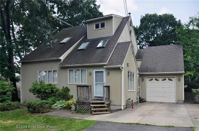 North Providence Single Family Home For Sale: 2 Amanda Ct