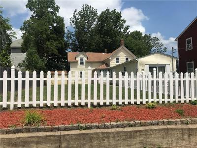 Pawtucket Single Family Home Act Und Contract: 196 Meadow St