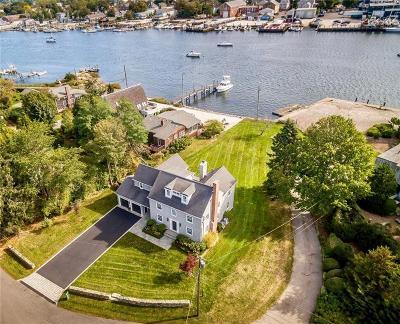 Barrington Single Family Home For Sale: 2 Blount Cir