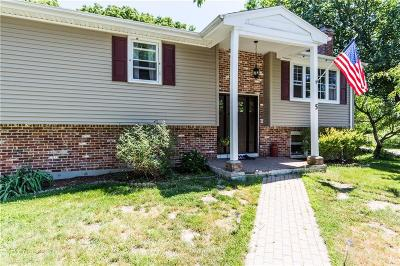 North Kingstown Single Family Home For Sale: 5 Linwood Dr