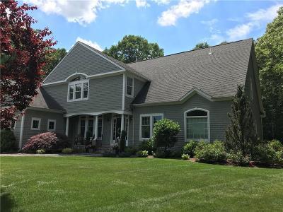 North Kingstown Single Family Home For Sale: 33 Cassandra Lane