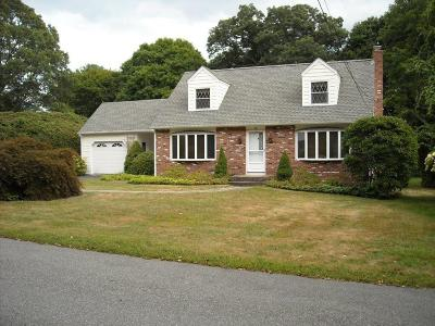 North Kingstown Single Family Home For Sale: 90 Cranston Cir Cir