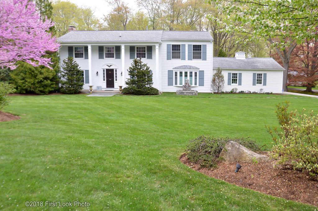 5 Bed 3 Full 1 Partial Baths Home In East Greenwich For 569 800