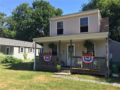 South Kingstown Single Family Home For Sale: 22 Wakefield Av