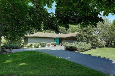 Bristol County Single Family Home For Sale: 50 Barrington Av