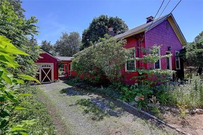 South Kingstown Single Family Home For Sale: 722 Curtis Corner Rd