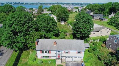 Middletown Single Family Home For Sale: 132 Kane Av