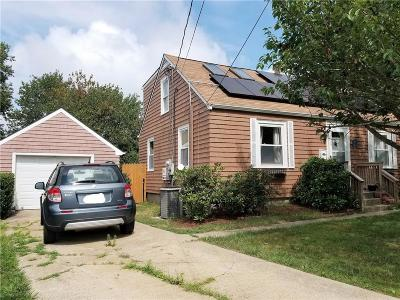 Middletown Single Family Home For Sale: 7 Admiral Ct