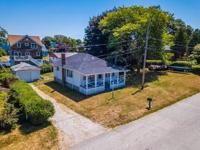 Portsmouth Single Family Home For Sale: 111 Dighton Av