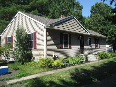 Coventry Single Family Home For Sale: 2010 Nooseneck Hill Rd