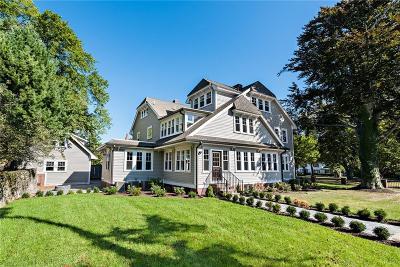 Providence County Single Family Home For Sale: 226 Blackstone Blvd