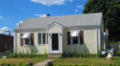 Pawtucket Single Family Home For Sale: 120 Harris St