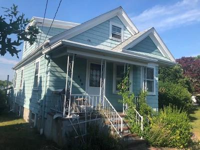 Newport County Single Family Home Act Und Contract: 430 Hooper St