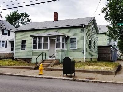Pawtucket Single Family Home For Sale: 120 Pond St