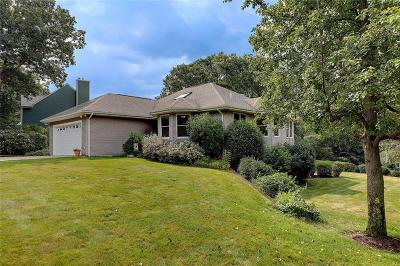 South Kingstown Single Family Home For Sale: 169 Kings Ridge Rd