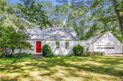 South Kingstown Single Family Home For Sale: 150 Stonehenge Rd