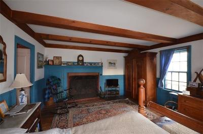 Newport County Single Family Home For Sale: 531 Bristol Ferry Rd