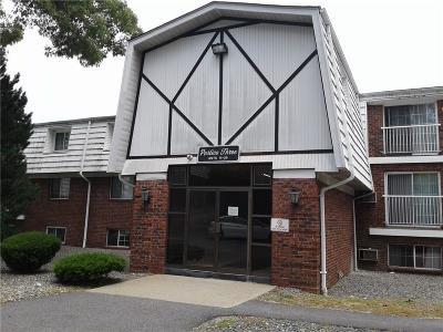 Providence County Condo/Townhouse For Sale: 300 - Bldg 3 Smithfield Rd, Unit#25 #25