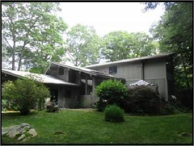 East Greenwich RI Single Family Home For Sale: $482,500