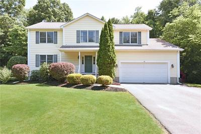 Providence County Single Family Home For Sale: 16 Hill Farm Lane