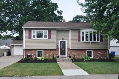East Providence Single Family Home For Sale: 92 Viola Av