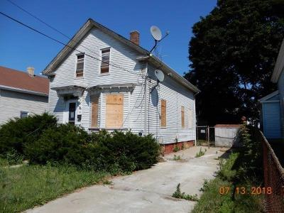 Single Family Home For Sale: 115 Vine St