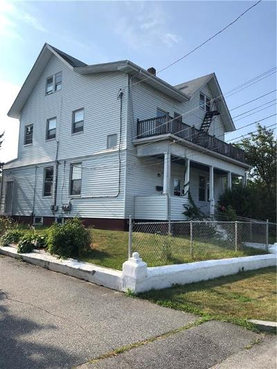 Providence County Multi Family Home For Sale: 32 Buckthorne Av