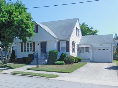 Providence County Single Family Home For Sale: 36 McArthur Dr