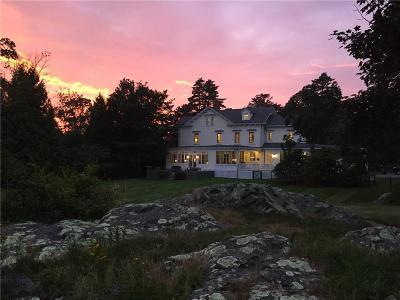Newport County Single Family Home For Sale: 100 Harrison Av