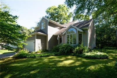 South Kingstown Single Family Home For Sale: 68 Table Rock Rd