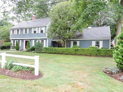 Barrington Single Family Home For Sale: 8 Ridgeland Rd