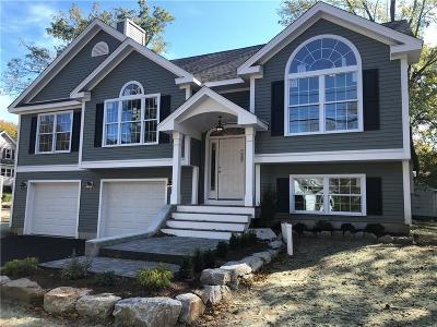 Woonsocket Single Family Home For Sale: 228 Morse Av