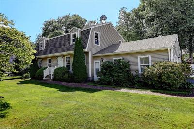 Bristol County Single Family Home For Sale: 10 Heritage Rd