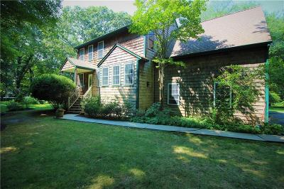 South Kingstown Single Family Home For Sale: 658 Rose Hill Rd