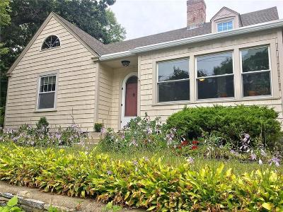 Pawtucket Single Family Home For Sale: 121 Lyman St