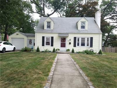Single Family Home Sold: 39 Brewster Dr