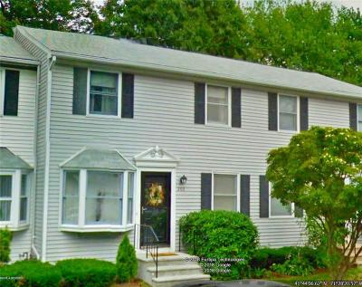 Cranston Condo/Townhouse Act Und Contract: 205 Woodhaven Ct, Unit#205 #205