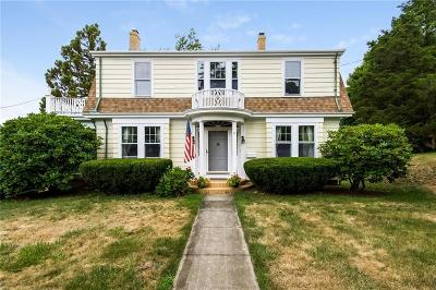 Newport County Single Family Home For Sale: 71 Highland Rd