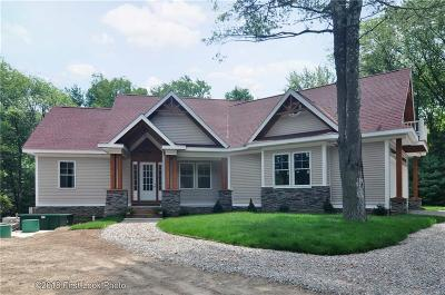 Glocester Single Family Home For Sale: 17 Lloyd Bowen Ct