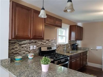 Pawtucket Single Family Home For Sale: 22 Borden St