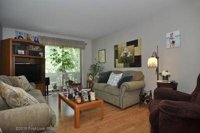 Condo/Townhouse Sold: 1139 Hartford Av, Unit#4b #4B