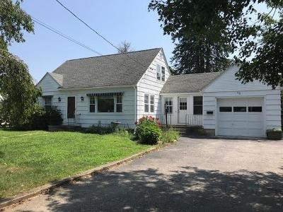 Westerly Single Family Home For Sale: 110 Beach St