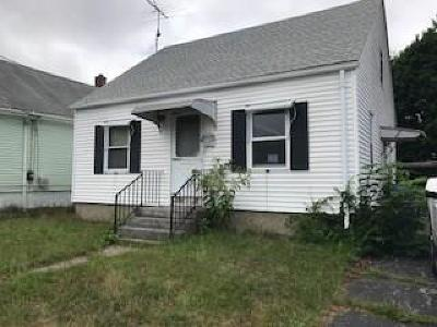 Pawtucket Single Family Home For Sale: 16 Bowen St