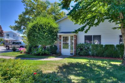 Warwick Condo/Townhouse For Sale: 788 Williamsburg Cir, Unit#788 #788