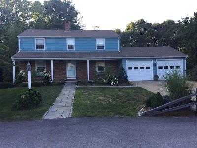 North Kingstown Single Family Home For Sale: 61 Apple Tree Ct