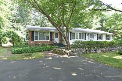 East Greenwich Single Family Home For Sale: 115 Kent Dr
