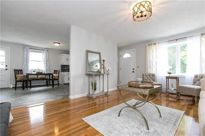 East Providence Single Family Home For Sale: 79 Hicks St