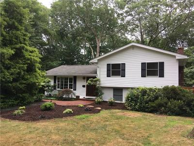 South Kingstown Single Family Home For Sale: 71 Conant Lane